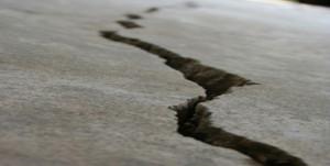 Ce alegem pentru crapaturi in pardoseala de beton epoxi sau