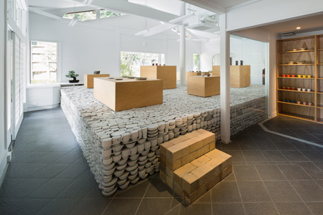 Maruhiro_Yusuke-Seki-Design-Studio - Infopardoseli 11