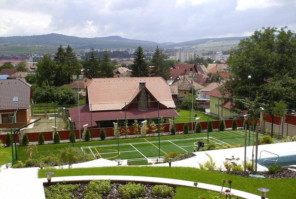 terase-gradini-terenuri-polivalente